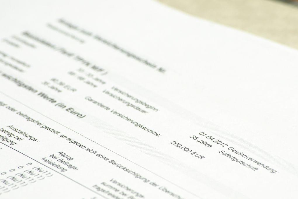 versicherungsvertrag details